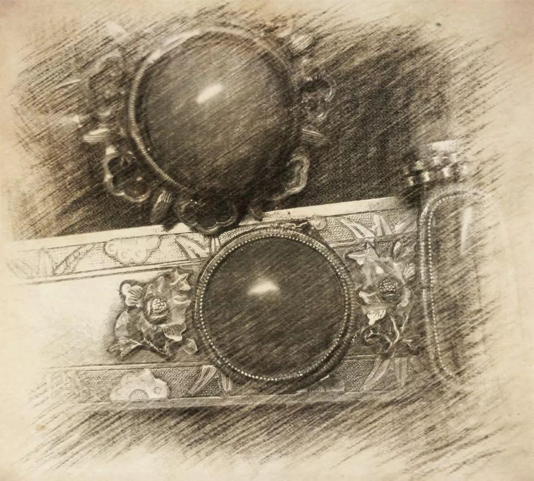 蒙古族银饰——小巧精美的银扣子