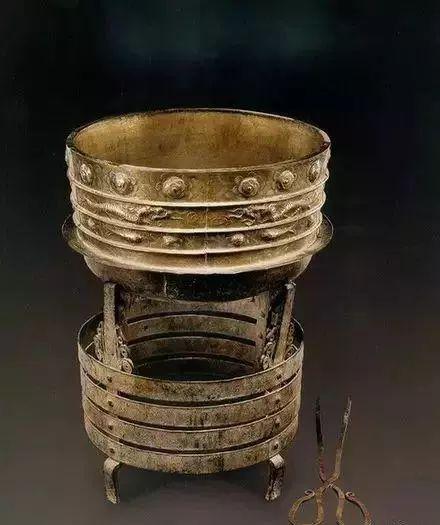 蒙古族生活中的这些文物,同时又是艺术品巅峰之作 第2张