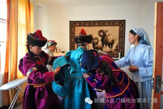 【TTCY 蒙古习俗】关于蒙古袍腰带 你知道多少?快来收藏吧!(蒙古文) 第3张