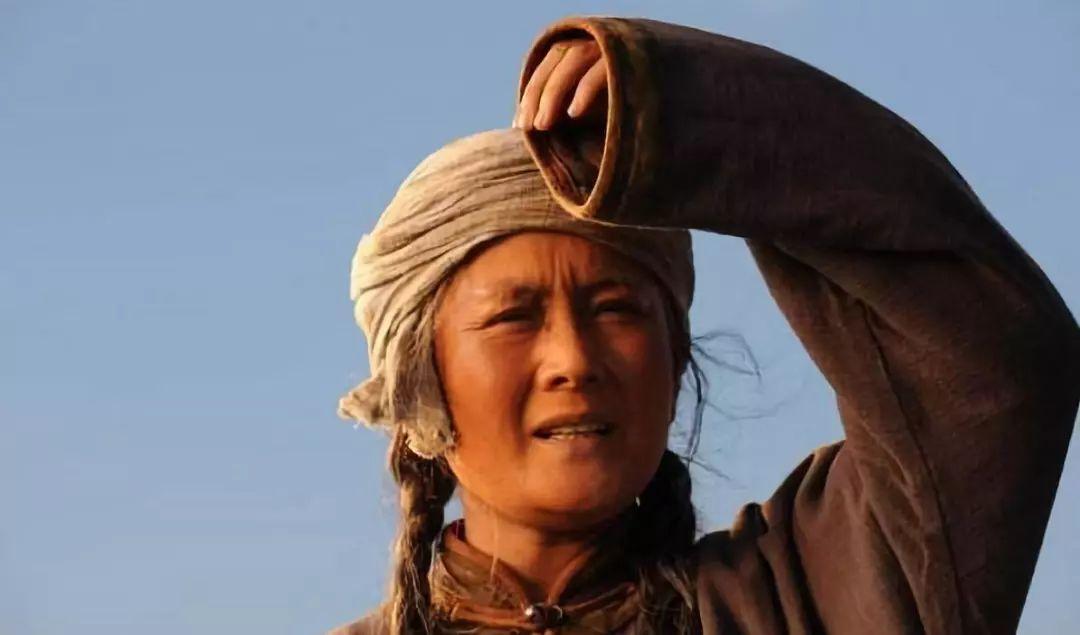 一首好听又催泪的蒙古歌曲《天边的额吉》,听完的人都泪奔了... 第3张