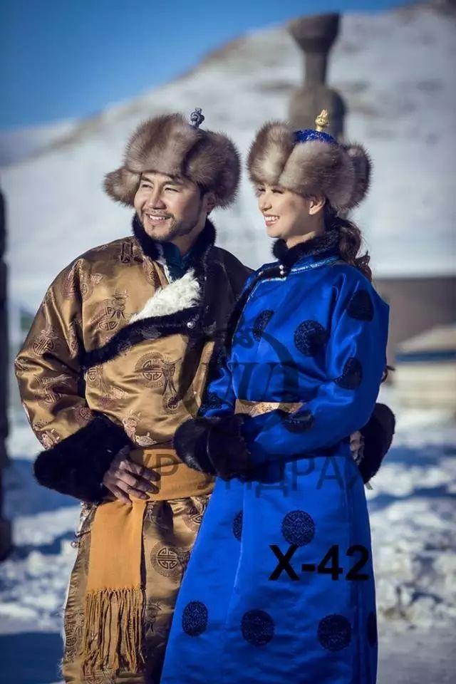 【蒙古服饰图片】蒙古国明星新年装扮 果然是民族服饰最美! 第19张