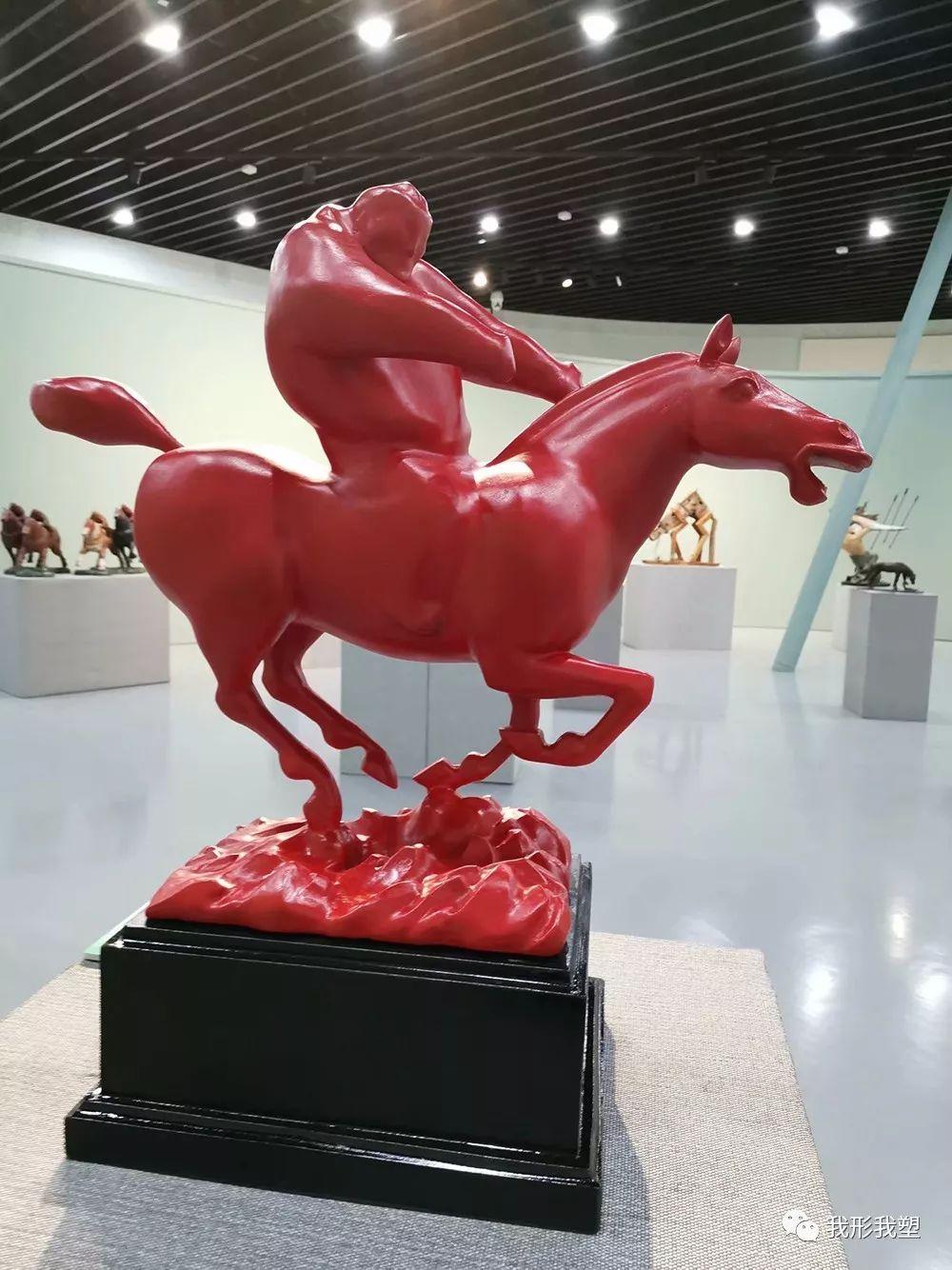 """【雕塑展览】庆祝中华人民共和国成立70周年""""蒙古马·雕塑·研究""""展 第19张 【雕塑展览】庆祝中华人民共和国成立70周年""""蒙古马·雕塑·研究""""展 蒙古画廊"""