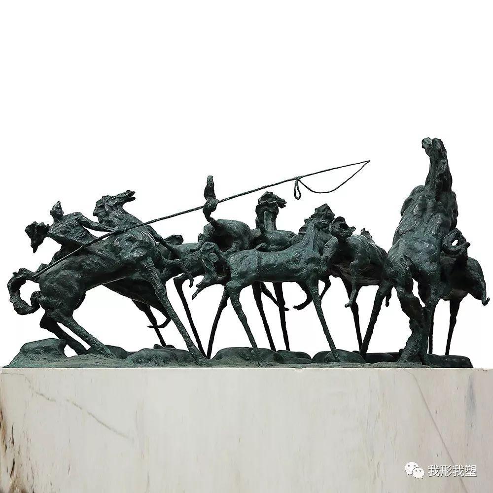 """【雕塑展览】庆祝中华人民共和国成立70周年""""蒙古马·雕塑·研究""""展 第23张 【雕塑展览】庆祝中华人民共和国成立70周年""""蒙古马·雕塑·研究""""展 蒙古画廊"""
