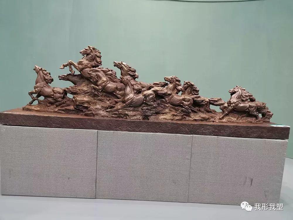 """【雕塑展览】庆祝中华人民共和国成立70周年""""蒙古马·雕塑·研究""""展 第26张 【雕塑展览】庆祝中华人民共和国成立70周年""""蒙古马·雕塑·研究""""展 蒙古画廊"""