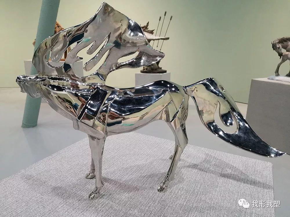 """【雕塑展览】庆祝中华人民共和国成立70周年""""蒙古马·雕塑·研究""""展 第30张 【雕塑展览】庆祝中华人民共和国成立70周年""""蒙古马·雕塑·研究""""展 蒙古画廊"""