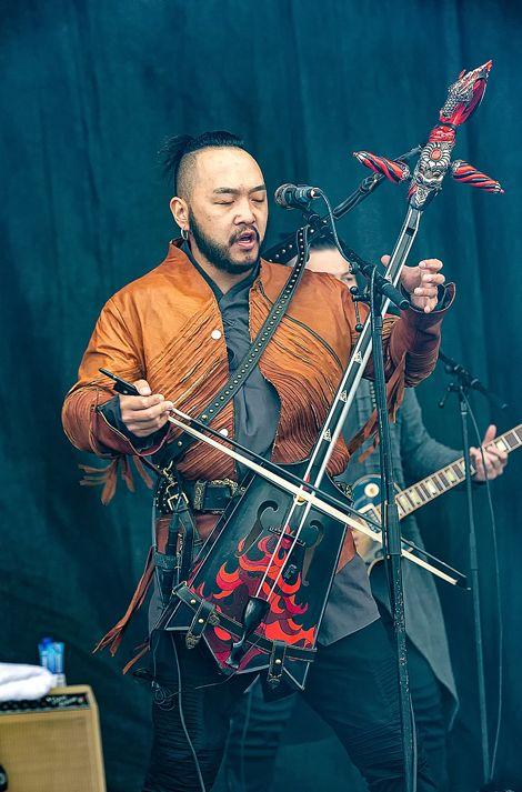 蒙古音乐登上世界顶级摇滚音乐节!THE HU乐队2019Rock Am Ring音乐节现场视频 第11张