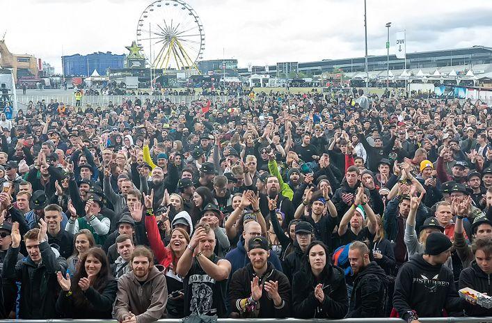 蒙古音乐登上世界顶级摇滚音乐节!THE HU乐队2019Rock Am Ring音乐节现场视频 第19张