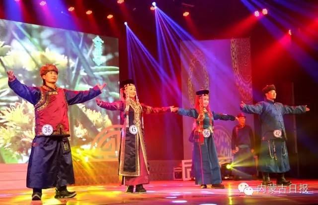 (图集)察哈尔服饰的传统之美 第1张 (图集)察哈尔服饰的传统之美 蒙古服饰