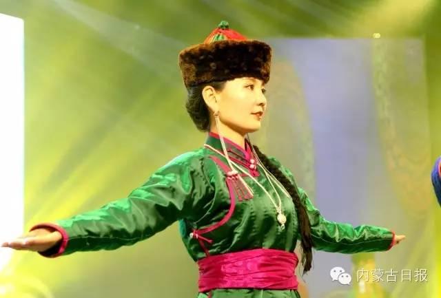 (图集)察哈尔服饰的传统之美 第3张
