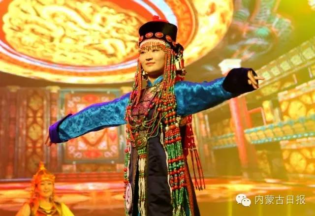 (图集)察哈尔服饰的传统之美 第6张 (图集)察哈尔服饰的传统之美 蒙古服饰