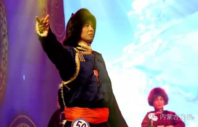 (图集)察哈尔服饰的传统之美 第7张 (图集)察哈尔服饰的传统之美 蒙古服饰