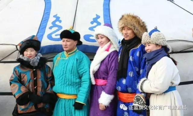 冰雪察哈尔丨察哈尔服饰的魅力 第3张 冰雪察哈尔丨察哈尔服饰的魅力 蒙古服饰