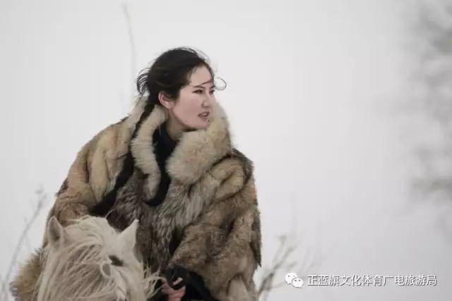 冰雪察哈尔丨察哈尔服饰的魅力 第12张 冰雪察哈尔丨察哈尔服饰的魅力 蒙古服饰
