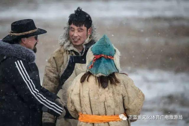 冰雪察哈尔丨察哈尔服饰的魅力 第11张 冰雪察哈尔丨察哈尔服饰的魅力 蒙古服饰
