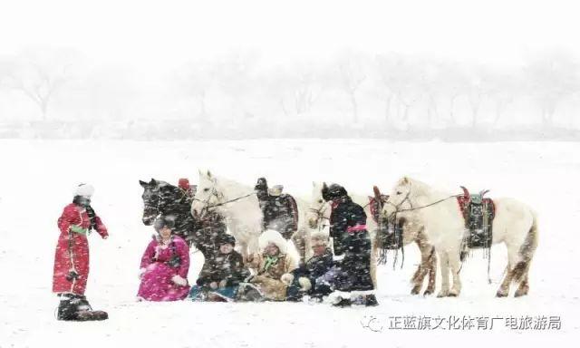 冰雪察哈尔丨察哈尔服饰的魅力 第21张 冰雪察哈尔丨察哈尔服饰的魅力 蒙古服饰