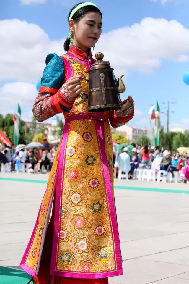 轰动乌兰察布!后旗首届察哈尔服饰展演精彩视频来了! 第4张