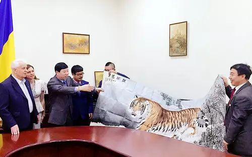 【人物传真】著名蒙古族青年艺术家——敖特 第45张