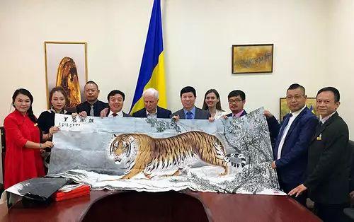 【人物传真】著名蒙古族青年艺术家——敖特 第50张