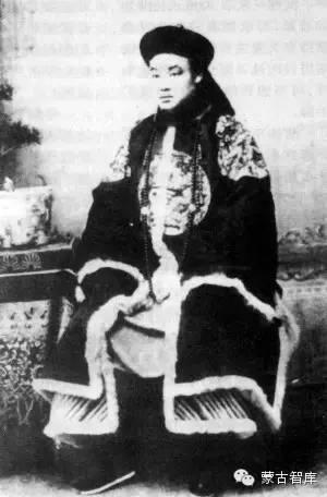 贡桑诺尔布与近代蒙古族历史之最 蒙古文化