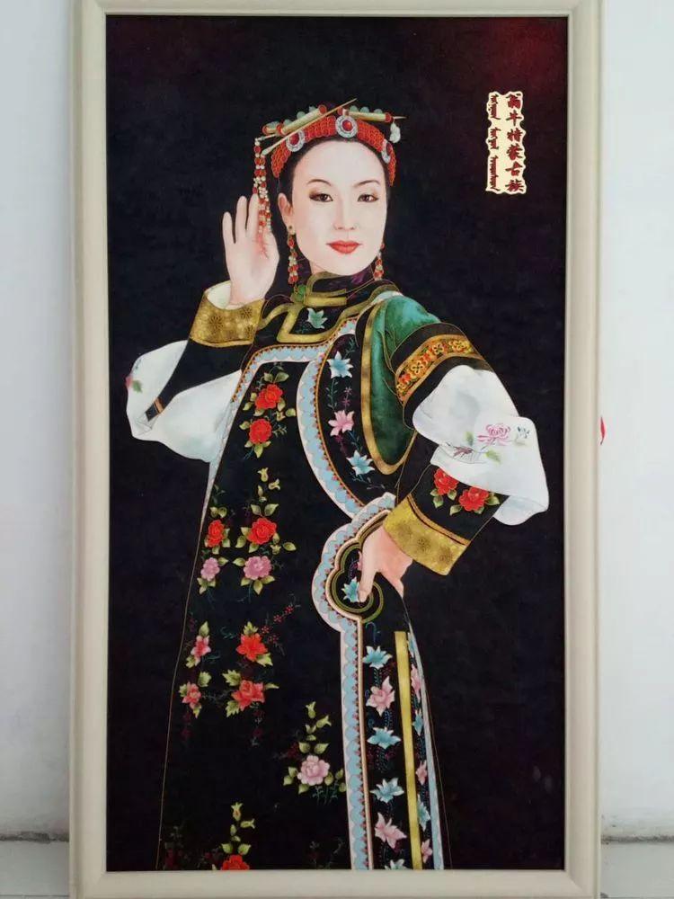 请您欣赏金丝彩岩手工艺作品——蒙古族部落妇女系列 第22张