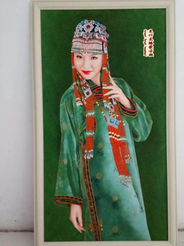 请您欣赏金丝彩岩手工艺作品——蒙古族部落妇女系列 第23张