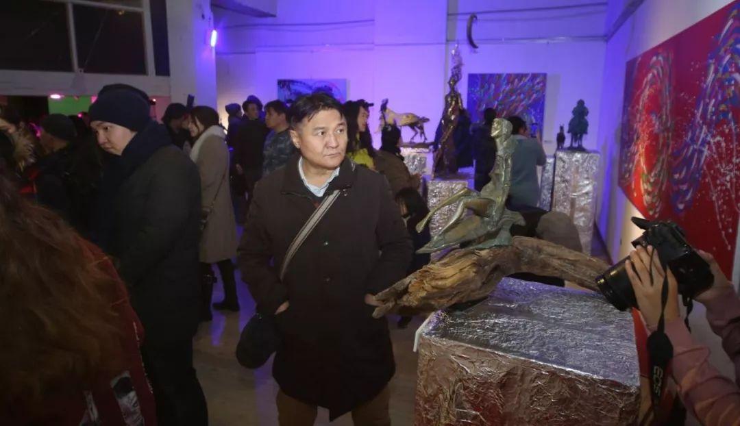 """蒙古青年艺术家们发起"""" MODERN KUNST 21""""展览 第3张"""