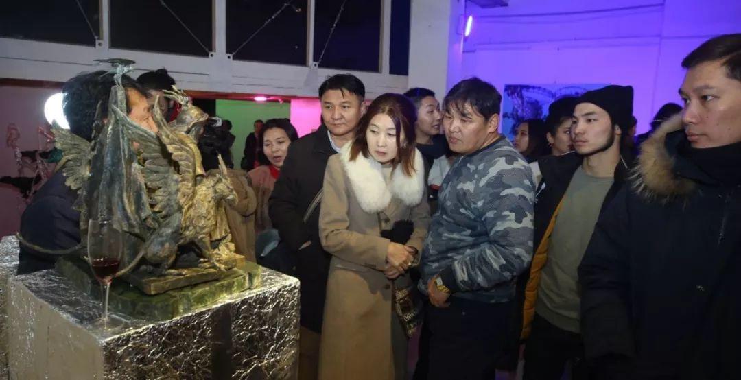 """蒙古青年艺术家们发起"""" MODERN KUNST 21""""展览 第13张"""