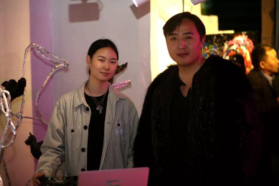 """蒙古青年艺术家们发起"""" MODERN KUNST 21""""展览 第21张"""