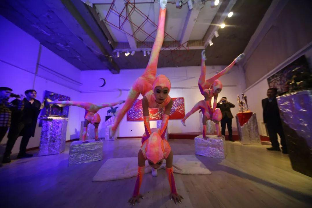 """蒙古青年艺术家们发起"""" MODERN KUNST 21""""展览 第23张"""