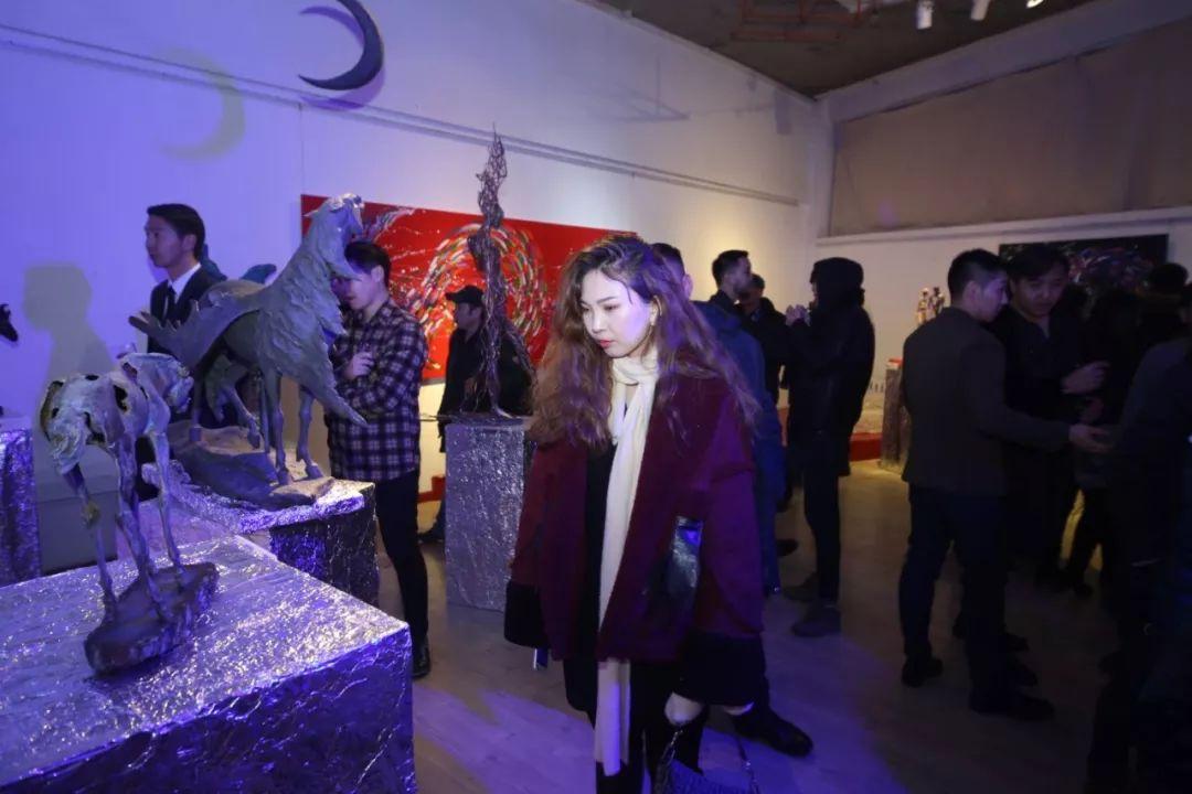 """蒙古青年艺术家们发起"""" MODERN KUNST 21""""展览 第24张"""