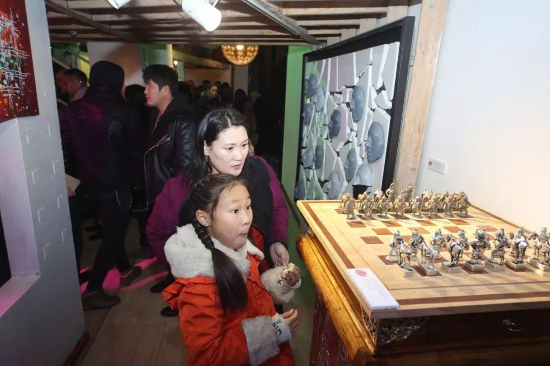 """蒙古青年艺术家们发起"""" MODERN KUNST 21""""展览 第22张"""