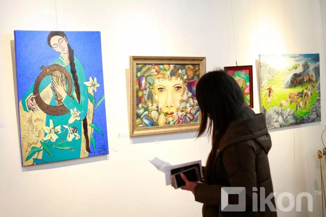 """蒙古国天才艺术家们的""""Mongol goo""""三八妇女节特别展览 第3张 蒙古国天才艺术家们的""""Mongol goo""""三八妇女节特别展览 蒙古画廊"""