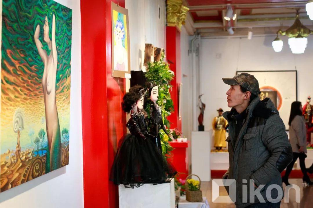 """蒙古国天才艺术家们的""""Mongol goo""""三八妇女节特别展览 第6张 蒙古国天才艺术家们的""""Mongol goo""""三八妇女节特别展览 蒙古画廊"""