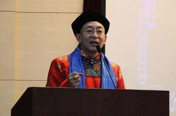 六小龄童现身呼和浩特,我是蒙古后裔,就应该穿蒙古袍! 第10张 六小龄童现身呼和浩特,我是蒙古后裔,就应该穿蒙古袍! 蒙古文化