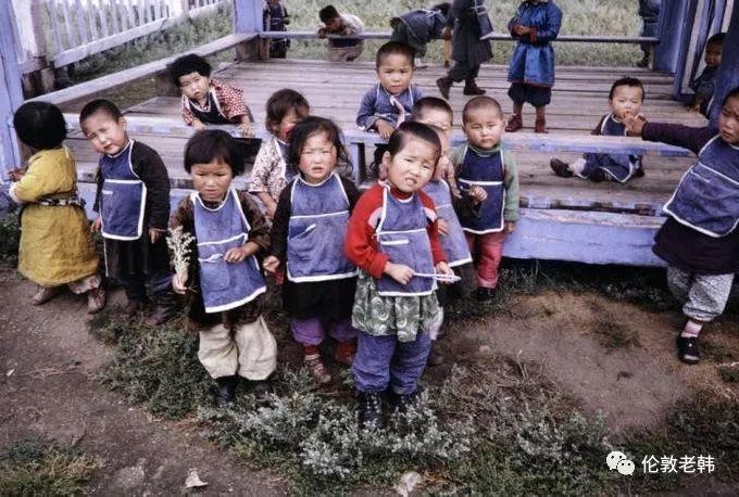 1960s年代的蒙古:儿童和城市街头 第2张 1960s年代的蒙古:儿童和城市街头 蒙古文化