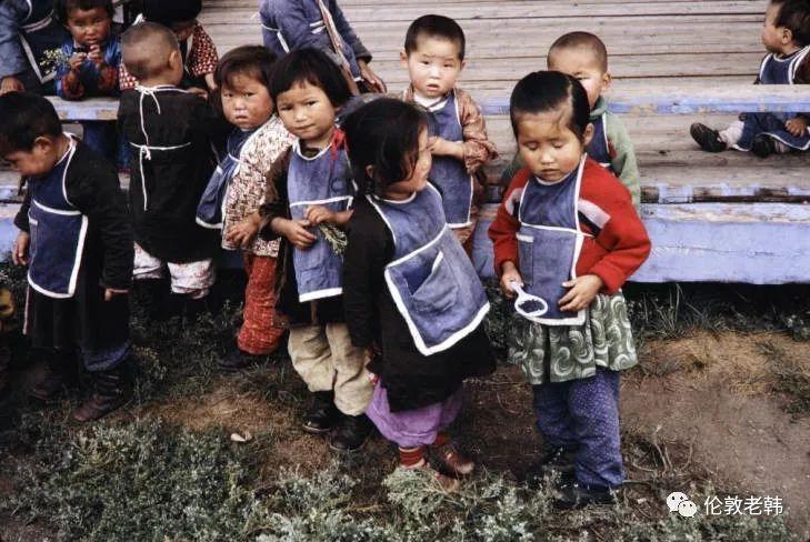 1960s年代的蒙古:儿童和城市街头 第4张 1960s年代的蒙古:儿童和城市街头 蒙古文化