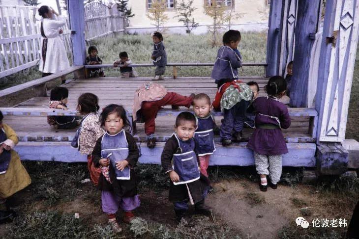 1960s年代的蒙古:儿童和城市街头 第3张 1960s年代的蒙古:儿童和城市街头 蒙古文化