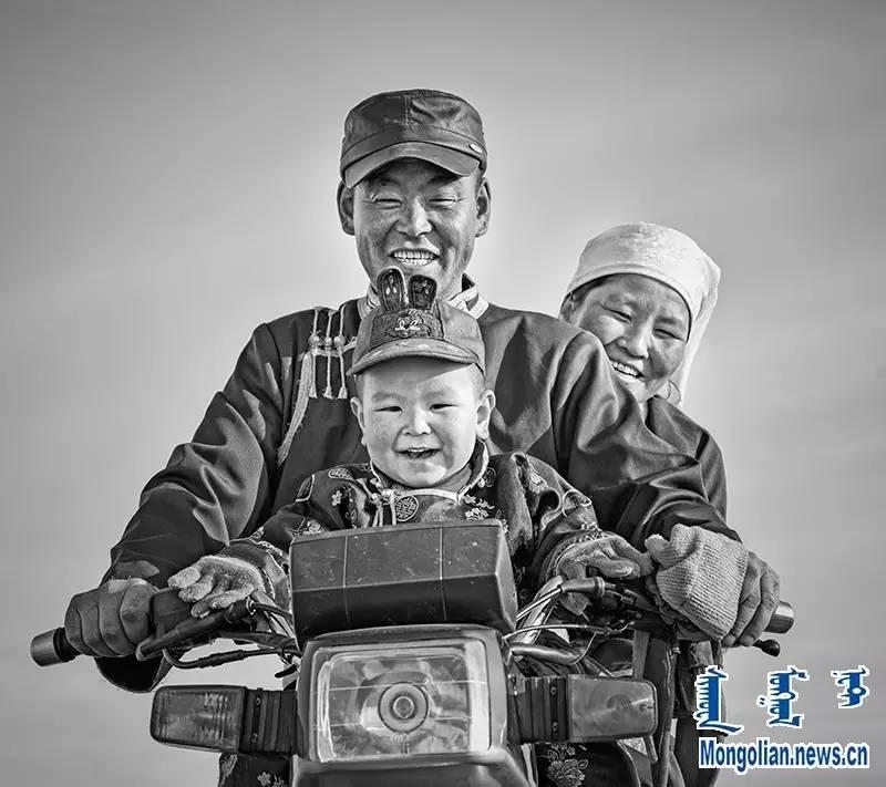 【音频·图片】蒙古族青年摄影家宝日玛个人摄影展 第2张