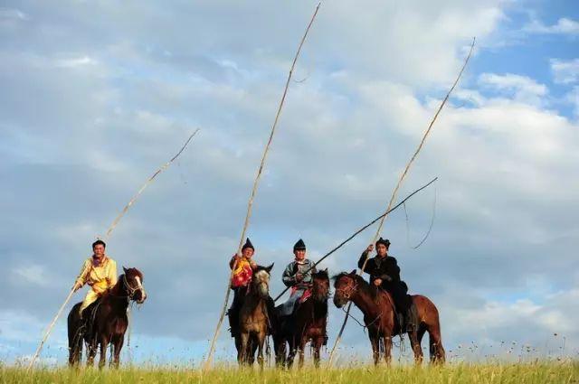 蒙古族狩猎工具——套马杆 第1张 蒙古族狩猎工具——套马杆 蒙古文化