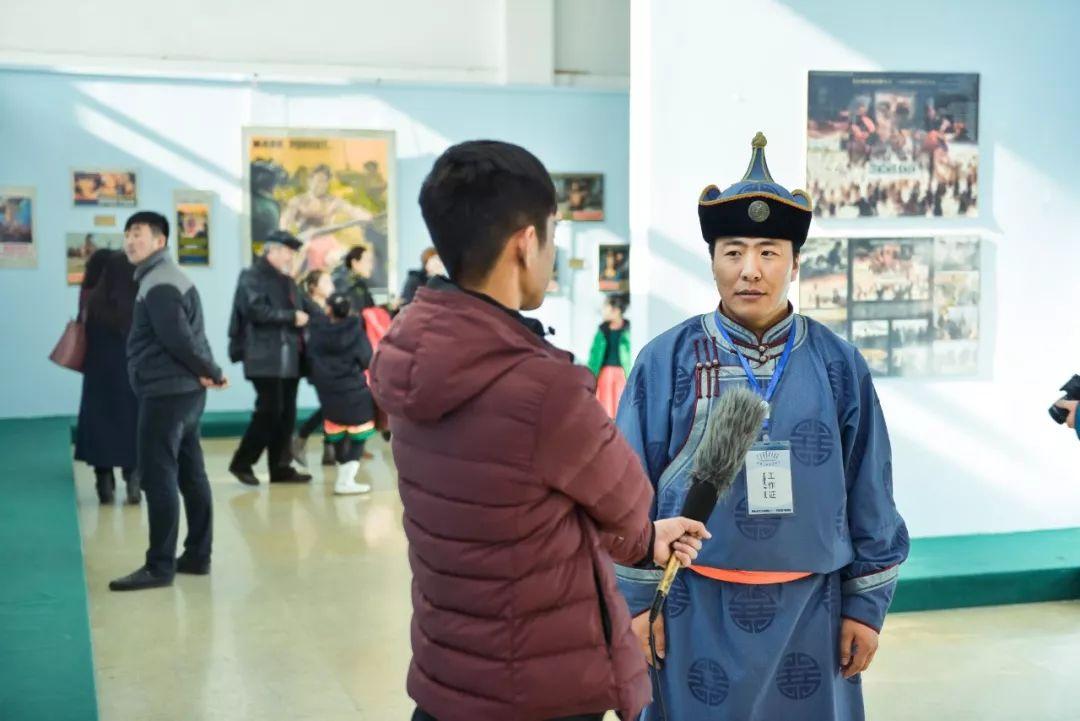 """一位80后蒙古族青年的""""听书梦"""" 第8张 一位80后蒙古族青年的""""听书梦"""" 蒙古文化"""