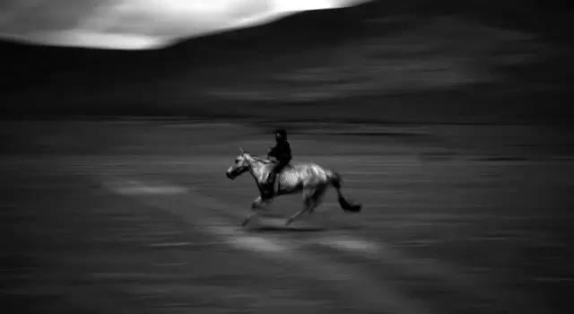 展现内蒙古风情的唯美图片,艺术源自生活 第1张 展现内蒙古风情的唯美图片,艺术源自生活 蒙古文化