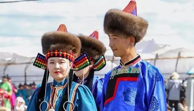 蒙古人这样办婚宴,场面相当震撼! 第1张