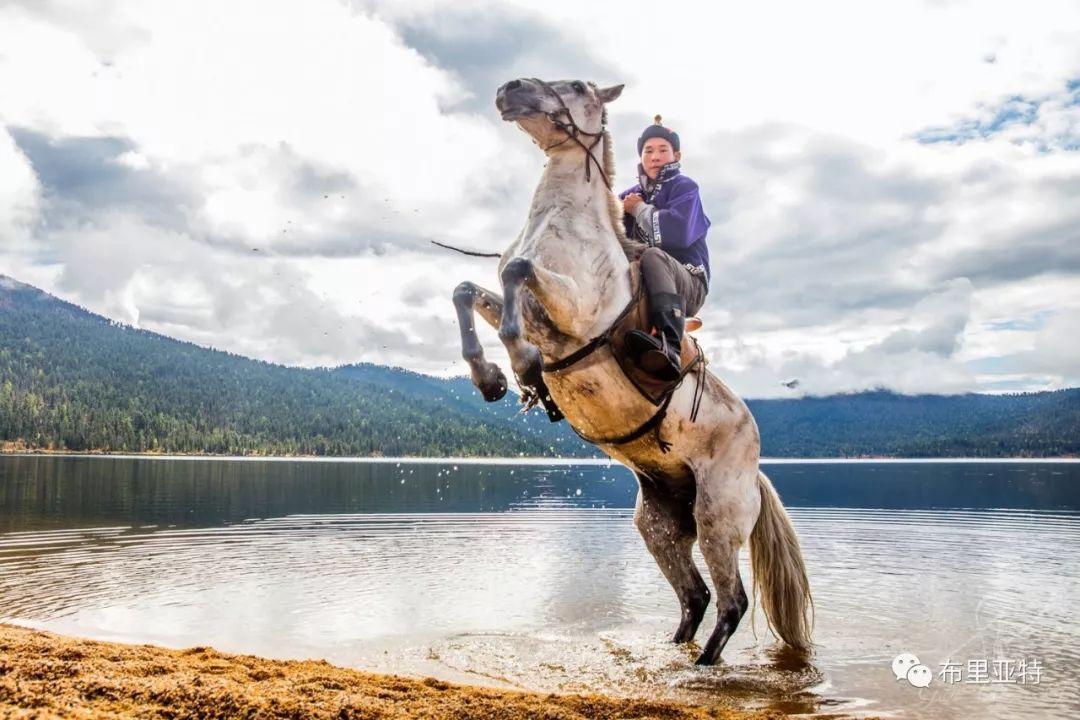 旅行摄影师甘乌力吉的摄影作品欣赏,太震撼! 第35张 旅行摄影师甘乌力吉的摄影作品欣赏,太震撼! 蒙古文化