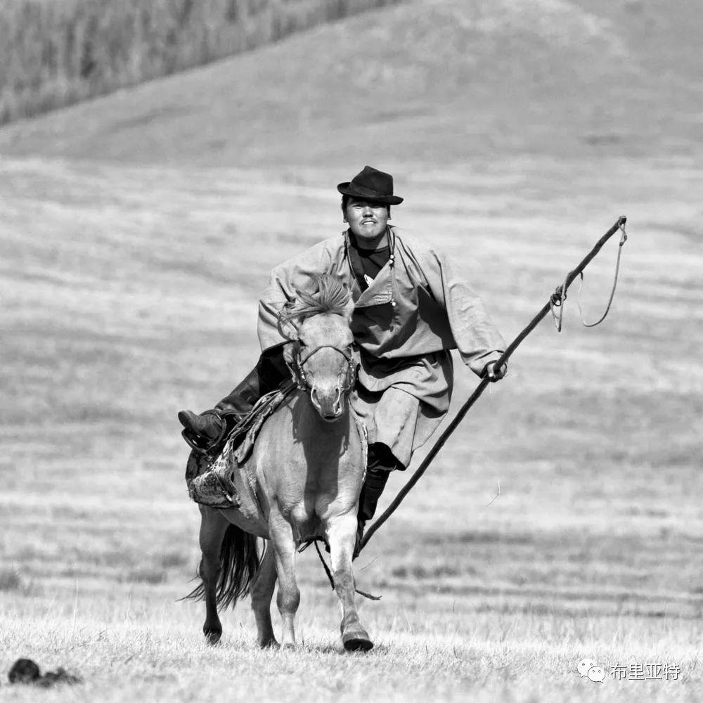 旅行摄影师甘乌力吉的摄影作品欣赏,太震撼! 第62张 旅行摄影师甘乌力吉的摄影作品欣赏,太震撼! 蒙古文化
