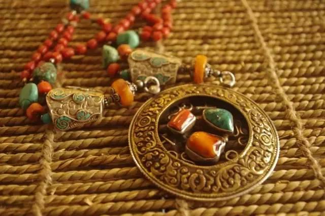 蒙古族:一个热爱银饰的民族