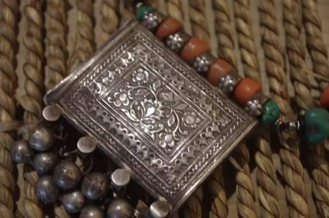 蒙古族:一个热爱银饰的民族 第4张