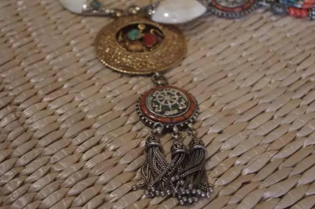 蒙古族:一个热爱银饰的民族 第9张