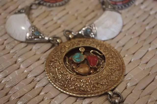 蒙古族:一个热爱银饰的民族 第16张