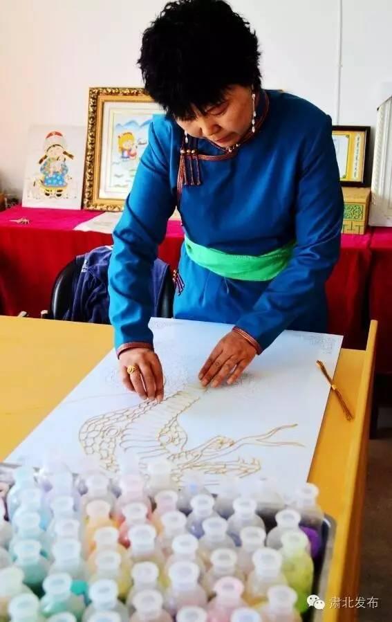温格金  让雪山蒙古族手工艺术品大放光芒 第4张