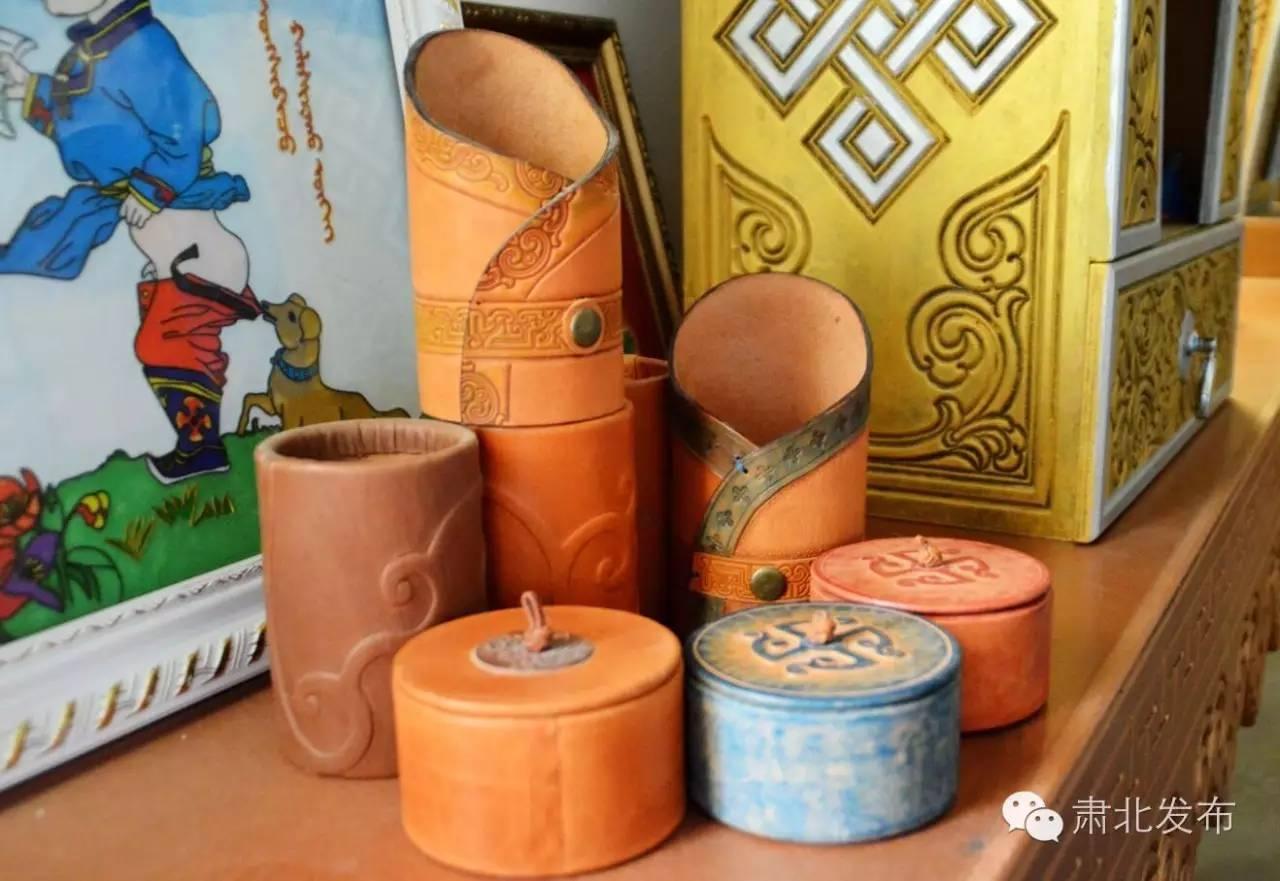 温格金  让雪山蒙古族手工艺术品大放光芒 第9张